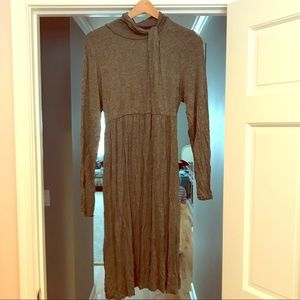 Grey cotton maternity dress